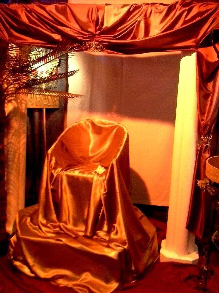 Vor dem Thronsaal von Pilatus
